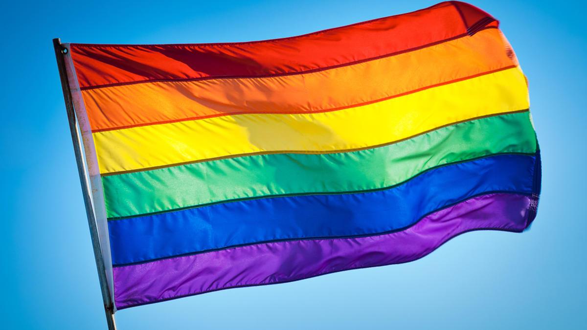 ¿Ya conocías la historia de la bandera gay?